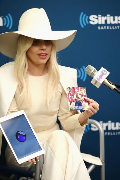 Asking「SiriusXM's Town Hall With Lady Gaga Airs On SiriusXM Hits 1」:写真・画像(15)[壁紙.com]