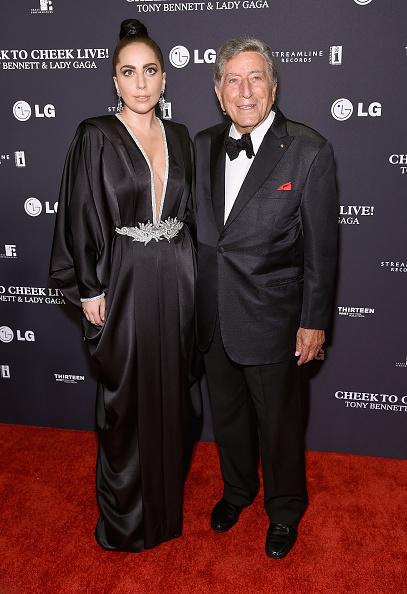 "Black Hair「Tony Bennett and Lady Gaga ""Cheek To Cheek"" Taping - Red Carpet」:写真・画像(14)[壁紙.com]"