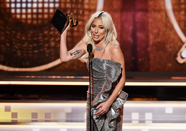 グラミー賞「61st Annual GRAMMY Awards - Inside」:写真・画像(2)[壁紙.com]