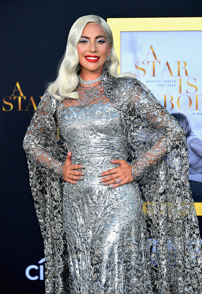 "Premiere Event「Premiere Of Warner Bros. Pictures' ""A Star Is Born"" - Arrivals」:写真・画像(6)[壁紙.com]"