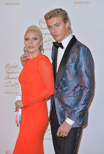 London Coliseum「British Fashion Awards 2015 - Winners Room」:写真・画像(4)[壁紙.com]