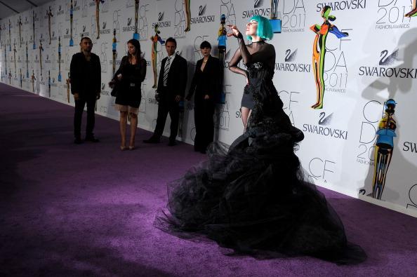 Sheer Fabric「2011 CFDA Fashion Awards - Arrivals」:写真・画像(13)[壁紙.com]
