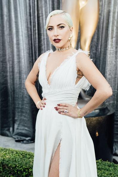 クリスチャンディオールのドレス「25th Annual Screen Actors Guild Awards - Red Carpet」:写真・画像(4)[壁紙.com]