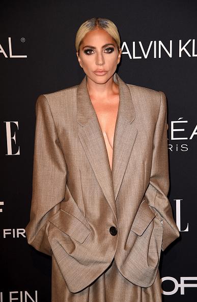 縦位置「25th Annual ELLE Women In Hollywood Celebration - Arrivals」:写真・画像(18)[壁紙.com]