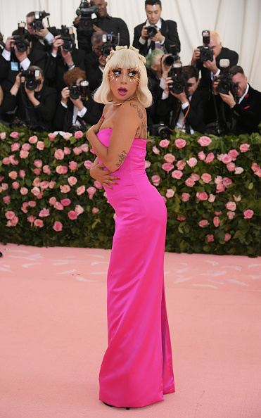Hot Pink「The 2019 Met Gala Celebrating Camp: Notes on Fashion - Arrivals」:写真・画像(17)[壁紙.com]