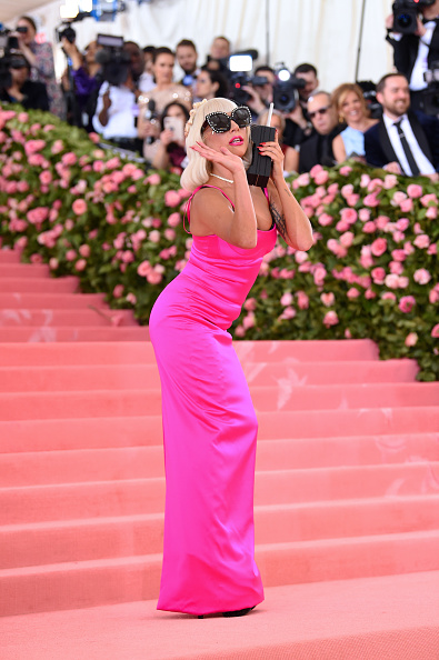 Hot Pink「The 2019 Met Gala Celebrating Camp: Notes on Fashion - Arrivals」:写真・画像(18)[壁紙.com]