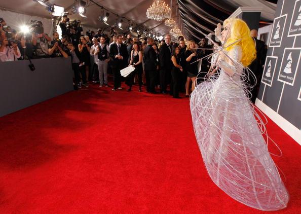 Wide Shot「The 52nd Annual GRAMMY Awards - Arrivals」:写真・画像(4)[壁紙.com]