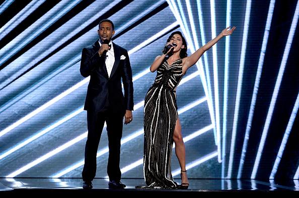 ヴァネッサ・ハジェンズ「2017 Billboard Music Awards - Show」:写真・画像(5)[壁紙.com]