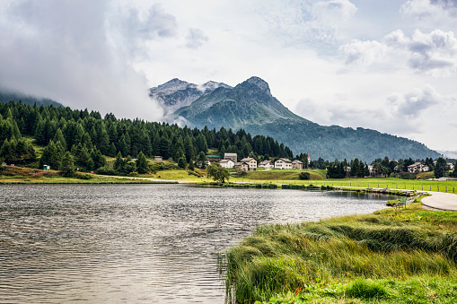 Engadin Valley「Lake Sils with mountain village in background」:スマホ壁紙(7)