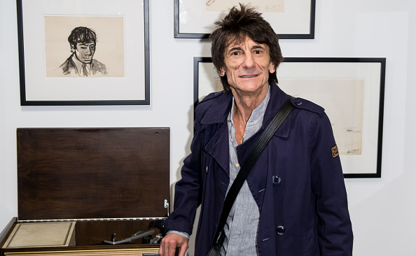 Open Collar「Ronnie Wood: A Major Retrospective Of 50 Years Of Rock And Roll - Press View」:写真・画像(17)[壁紙.com]