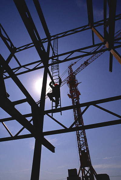 Balance「Workman accessing steel frame in Seville, Spain for works on Seville Expo 92 site」:写真・画像(10)[壁紙.com]