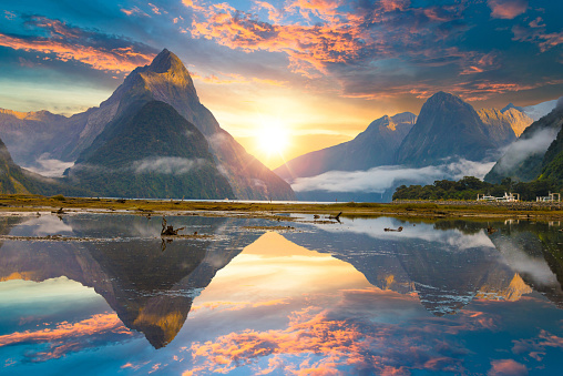 National Park「The Milford Sound fiord. Fiordland national park, New Zealand」:スマホ壁紙(1)