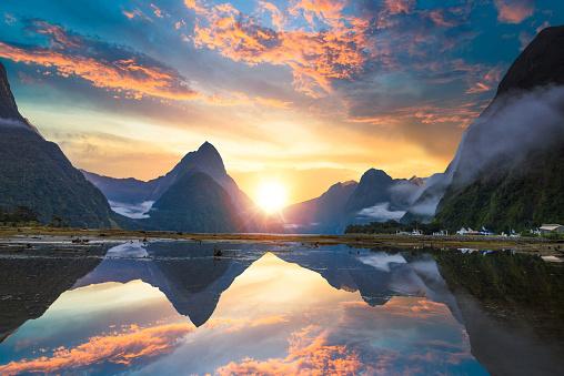 New Zealand「The Milford Sound fiord. Fiordland national park, New Zealand」:スマホ壁紙(18)