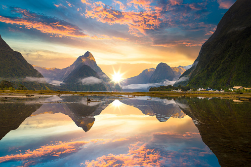 Fjord「The Milford Sound fiord. Fiordland national park, New Zealand」:スマホ壁紙(18)