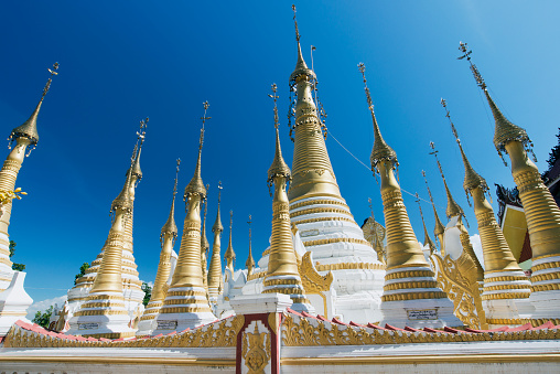 Temple「Golden Stupas of buddhist temple」:スマホ壁紙(0)
