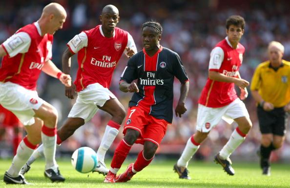 Abu Diaby「Emirates Cup」:写真・画像(1)[壁紙.com]