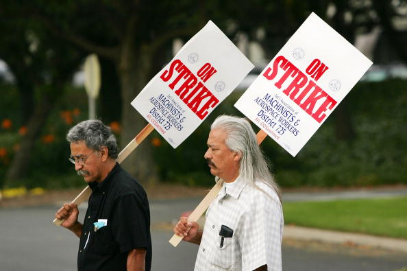Focus On Foreground「Boeing Machinists Go On Strike」:写真・画像(5)[壁紙.com]