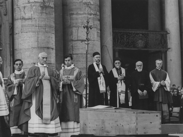 Architectural Feature「Pope Paul VI」:写真・画像(15)[壁紙.com]