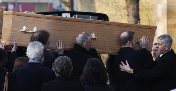 Paisley Pattern「Mourners Attend The Funeral Of Legendary Singer Gerry Rafferty」:写真・画像(13)[壁紙.com]