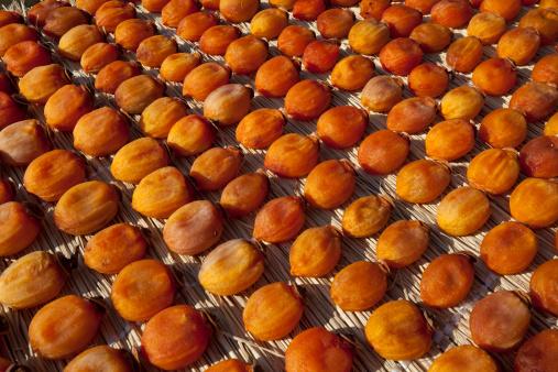 柿「Dried Persimmon Fruits」:スマホ壁紙(16)
