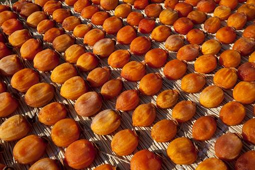 柿「Dried Persimmon Fruits」:スマホ壁紙(17)