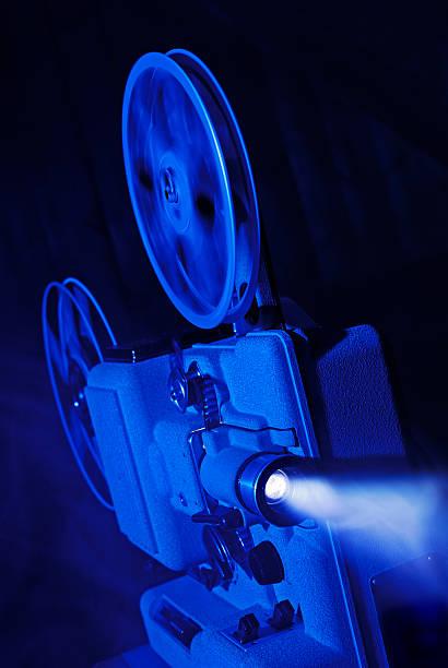8mm film projector running:スマホ壁紙(壁紙.com)