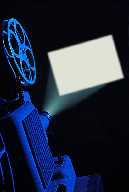 8mm film projector running and blank screen:スマホ壁紙(壁紙.com)