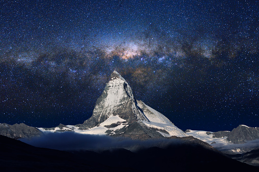 Swiss Alps「Swiss Alps's Matterhorn in Midnight Sky」:スマホ壁紙(18)