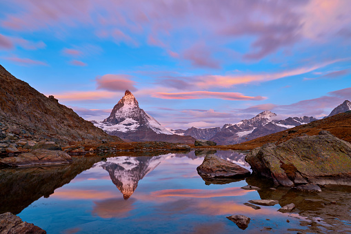 Pennine Alps「Swiss Alps's Matterhorn at Sunrise, Switzerland」:スマホ壁紙(7)