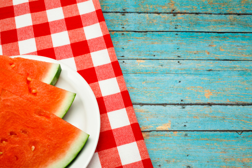 melon「Summer picnic concept with watermelon and checkered napkin」:スマホ壁紙(8)