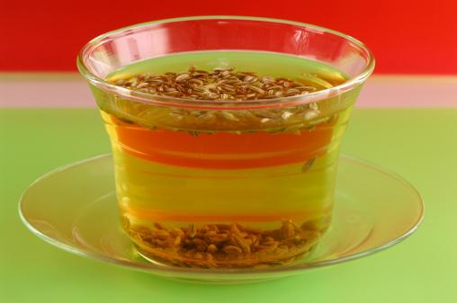 Fennel「Cup of Fennel tea, close-up」:スマホ壁紙(16)