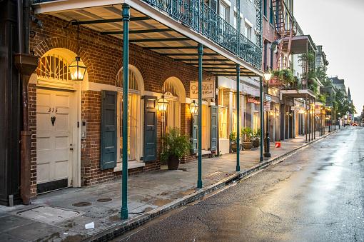 New Orleans「Rain soaked」:スマホ壁紙(0)