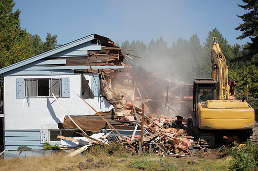 Earth Mover「House being bulldozed in Vancouver」:スマホ壁紙(13)
