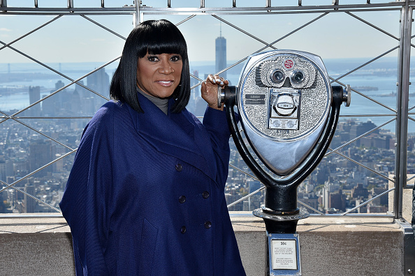 Empire State Building「Patti LaBelle And Denise Rich Light Empire State Building For Gabrielle's Angel Foundation For Cancer Research In Honor Of Angel Ball 2015」:写真・画像(16)[壁紙.com]