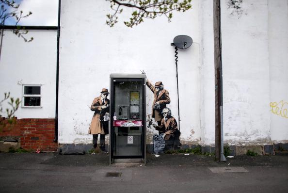 Graffiti「Possible Banksy Artwork Around A Telephone Box」:写真・画像(12)[壁紙.com]