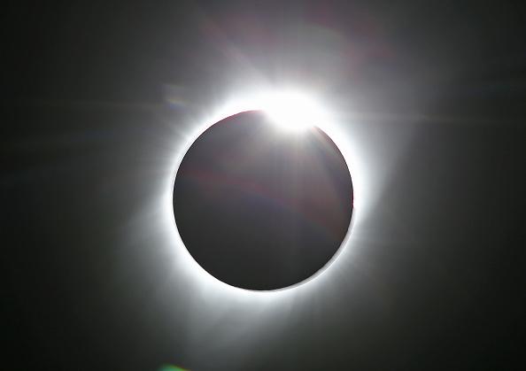 アメリカ合州国「Solar Eclipse Visible Across Swath Of U.S.」:写真・画像(4)[壁紙.com]