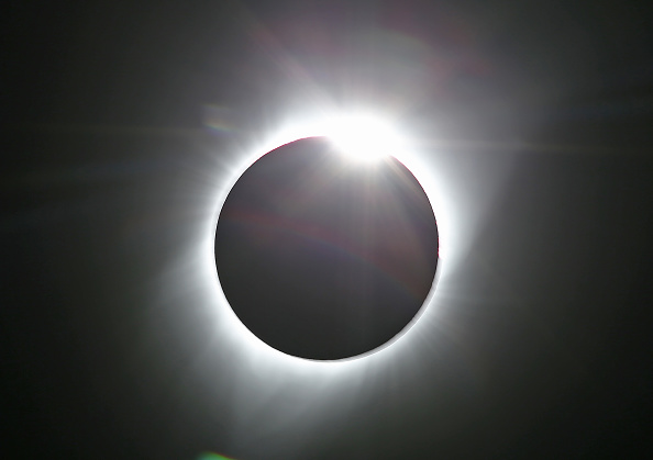 Solar Eclipse「Solar Eclipse Visible Across Swath Of U.S.」:写真・画像(11)[壁紙.com]