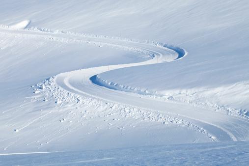 雪山「スノーイ山脈。トラッククロスカントリーます。」:スマホ壁紙(12)