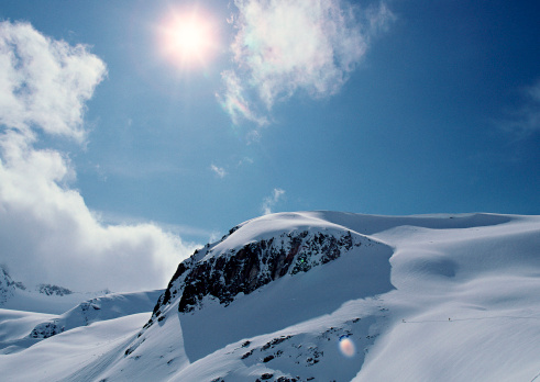 雲「Snowy Mountain」:スマホ壁紙(15)