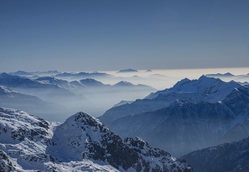 Piedmont - Italy「Snowy mountains in winter」:スマホ壁紙(13)