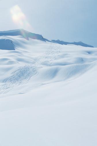 スノーボード「Snowy mountain, snowboarding tracks」:スマホ壁紙(3)