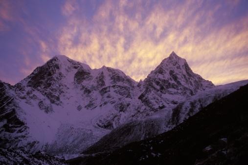 Khumbu「Snowy mountain in shadow」:スマホ壁紙(19)