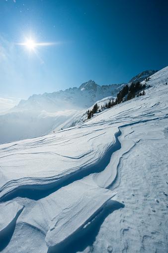 グルノーブル「Snowy mountain with sun」:スマホ壁紙(17)
