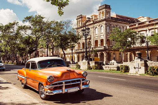 Havana「Vintage Car in Old Havana Cuba」:スマホ壁紙(2)