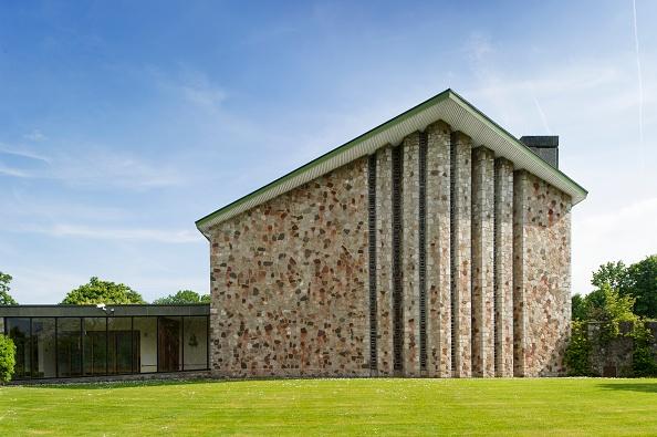 Cremation「Taunton Crematorium Chapel」:写真・画像(2)[壁紙.com]