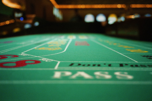Gambling「Craps table in casino, close-up」:スマホ壁紙(5)