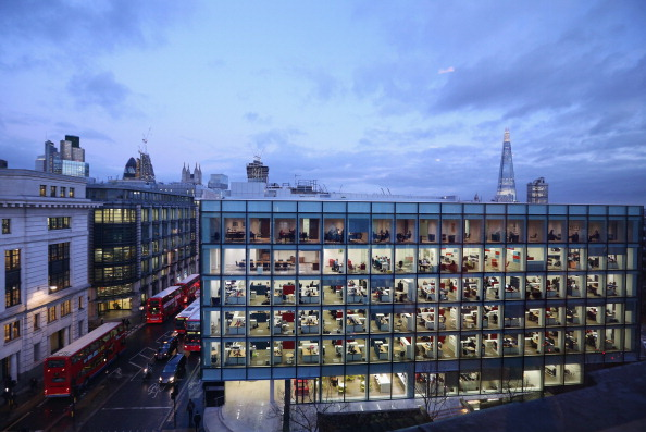 Office「Workers In Offices At Night In London」:写真・画像(18)[壁紙.com]