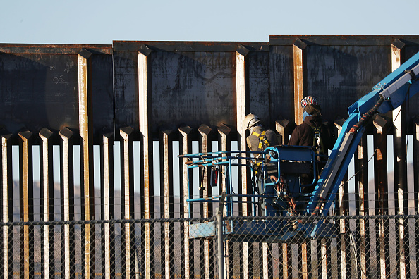 International Border Barrier「Border Wall And Migration In Focus As Negotiations Over Border Security Continue」:写真・画像(6)[壁紙.com]