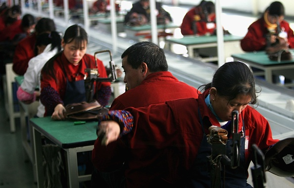 Shoelace「Chinese Workers Make Shoes At A Factory In Wenzhou」:写真・画像(16)[壁紙.com]