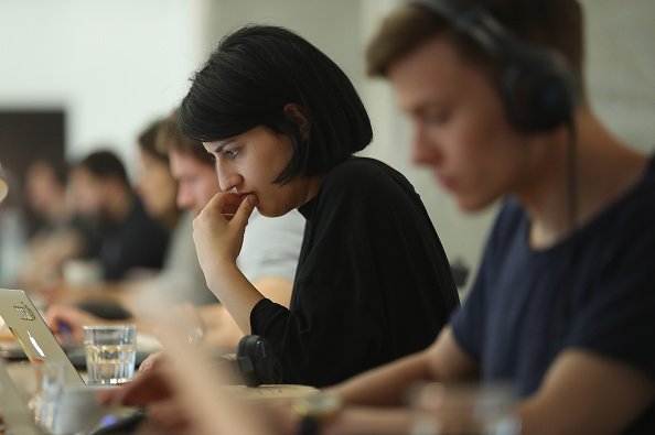 女性「Berlin Seeks To Draw London Startups And Companies」:写真・画像(0)[壁紙.com]